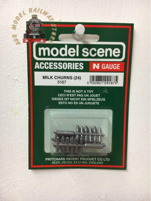 Modelscene 5187 Milk Churns - N Gauge