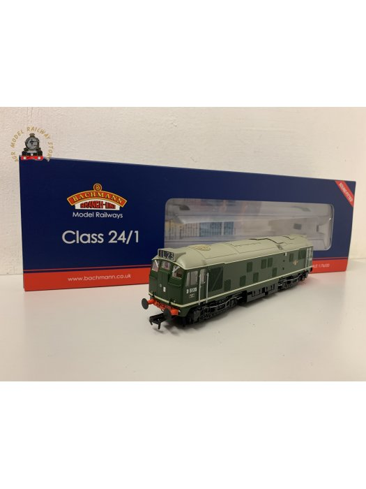 Bachmann 32-440SF OO Gauge Class 24/1 D5135 BR Green Late Crest DCC Sound Fitted
