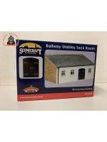 Bachmann 44-0148 OO Gauge Railway Stables Tack Room - OO Gauge