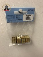 Oxford Diecast 76ACC003  1:76 Scale OO Gauge Pallet/Loads Spratts Dog Cakes