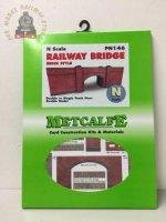Metcalfe PN146 N Scale Railway Bridge in Red Brick - N Gauge