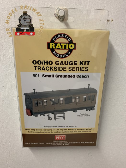Ratio 501 Small Grounded Coach Kit - OO Gauge