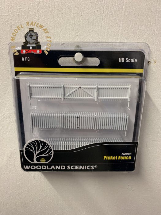 Woodland Scenics A2984 Wooden picket fence with gates OO / HO Gauge